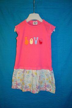 Recy+dívčí+tunika+Zaláskovaná+Vel.+116,+tričko+bavlna,+sukně+z+bavlny+(lehoučké+plátýnko)...+Šířka+v+podpaží+2*29,+délka+53+cm.+Pidižmolíček+místy.