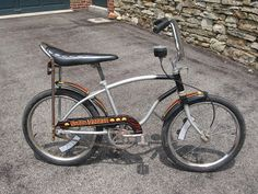 Materialist Zen: 1980 Huffy Space Invader - Banana seat bikes are great. Put a kid on one of these and they love it. Get on one yourself and at least giggle for a few minutes.