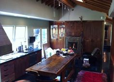 Orlando Bloom former gourmet #kitchen #home #celebrity http://blog.homes.com/2011/01/aye-it%E2%80%99s-true-orlando-bloom%E2%80%99s-home-is-for-rent/