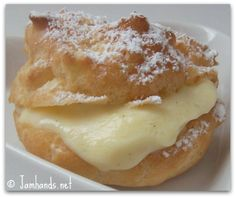 Valentine's Day Dessert: Cream Puffs with Vanilla Bean Pastry Cream. #recipe #valentinesday Easy Pastry Recipes, Summer Snacks, Tops, Vanilla, Easy Meals, French Toast, Pancakes, Griddle Cakes, Quick Easy Meals