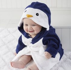 Your little water-lover will be cute and cozy in this Baby Aspen Wash & Waddle Penguin Hooded Spa Bathrobe. The plush terry bathrobe features an adorable penguin theme and has a terry tie at the waist. Little Babies, Little Ones, Cute Babies, Baby Kids, Cute Baby Boy, Baby Aspen, Diy Bebe, Everything Baby, Our Baby