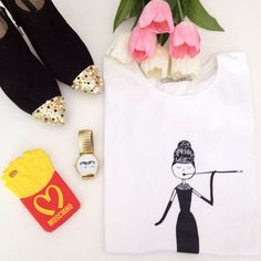 Feliz sábado Camiseta: @brunatienda  Botines: @zara_worldwide  Reloj: @lovelixshopp  Funda: @fundasiphone #Padgram