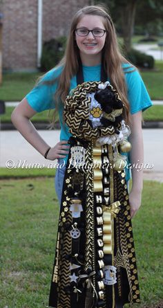 Classic gold and black chevron for Klein Oak High School Homecoming Mums Senior, Football Homecoming, High School Homecoming, Homecoming Corsage, Homecoming Spirit Week, Homecoming Ideas, Mum Bouquet, Bouquets, Football Mums