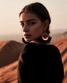 How To Pose, Portrait Photography, Hoop Earrings, Poses, Jewelry, Instagram, Margarita, Sunrise, Dessert