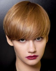 the sunny ball - Pixie / Bowl - Cheveux Short Wedge Hairstyles, Chic Short Hair, Really Short Hair, Edgy Hair, Cute Hairstyles For Short Hair, Short Hair Styles, Short Haircut, Short Hair With Layers, Short Hair Cuts For Women