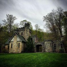 #northchagrinreservation #clevelandmetroparks #hiking #getoutthere #castle by azn16