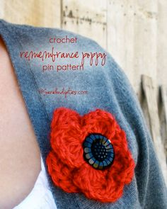 Sarahndipities ~ fortunate handmade finds: Things to Make: Crochet Poppy Remembrance Pin Crochet Poppy Pattern, Crochet Puff Flower, Crochet Flower Patterns, Crochet Designs, Crochet Flowers, Crochet Fall, Free Crochet, Knit Crochet, Knitted Poppies