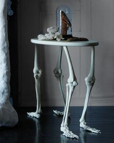 Certainly would make an interesting table on hallows eve.
