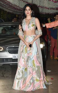 One stop for all ideas: Janhvi Kapoor in Manish Malhotra