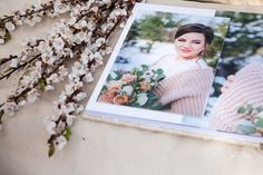 Свадебная фотокнига, свадебный фото альбом в классическом дизайне с обложкой из кожи