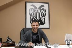 Kostas Katsouranis signing a new contract with PAOK FC