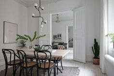 〚 White apartment with warm accents in Gothenburg 〛 ◾ Photos ◾Ideas◾ Design Best Interior, Room Interior, Interior Styling, Interior Design, Swedish Design, Scandinavian Design, Beautiful Interiors, Colorful Interiors, Swedish Interiors
