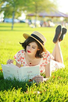 this look from the ModCloth Style Gallery! Cutest community ever. Bonheur Simple, Woman Reading, Lectures, Fashion Gallery, Book Photography, Belle Photo, Modcloth, Senior Pictures, Book Lovers