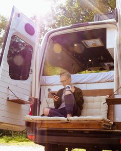 If you recognize exactly what look you wish to attain, designing a campervan won't be such a tricky job to do. Designing a campervan is quite easy when you have a concept of how you need your camping van to… Continue Reading → Bus Life, Camper Life, Vw Camper, Diy Van Camper, Kombi Trailer, Kangoo Camper, Sprinter Camper, T3 Vw, Kombi Home