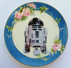 R2-D2 Portrait Plate: Flowers And Star Wars?! Yes Please.