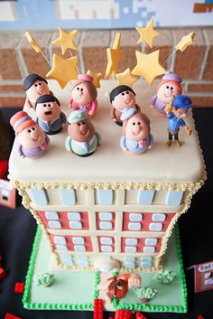 Super Cute Wreck It Ralph Party by Imagine Event Styling | Amazing cake | Nicelanders | SweetNys cakes   Centrepiece of our Wreck It Ralph (Fix It Felix) table