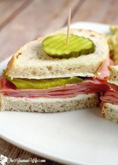 Dill Pickle Ham Sandwiches are a spin-off of the ham, cream cheese, and dill pickle roll up appetizers, that makes it okay to eat this tastiness every day, instead of just a holiday or party! Ham Sandwich Recipes, Best Appetizer Recipes, Soup And Sandwich, Appetizers, Pork Recipes, Dinner Recipes, Lunch Recipes, Chicken Recipes, Homemade Ham