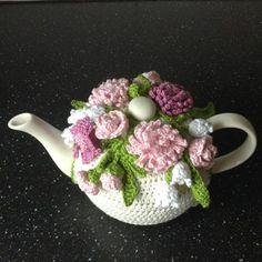 Teapot Cosie-FB photo. Knitted Tea Cosies, Crochet Cup Cozy, Crochet Home, Crochet Geek, Hand Crochet, Tea Cosy Knitting Pattern, Knitting Patterns, Crochet Patterns, Scarf Patterns