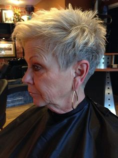 Stylish-Pixie-Cut Short Hairstyles for Older Women with Thin Hair dünnes Haar Frauen Short Hairstyles for Older Women with Thin Hair - The UnderCut Short Hair Older Women, Haircut For Older Women, Short Grey Hair, Hairstyles Over 50, Short Hairstyles For Women, Goth Hairstyles, Wedge Hairstyles, Latest Hairstyles, Pretty Hairstyles