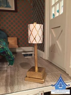 Barbie dollhouse lamp with paper lamp shade brings Barbie's dolls house to life. Barbie, Bratz, and Monster High have nothing but praise. Make A Lampshade, Paper Lampshade, Thing 1, Barbie Doll House, Dollhouse Kits, Garden Lamps, Kit Homes, Lamp Shades, Doll Houses