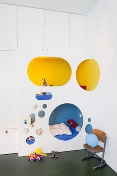 Modern Built-in Bed How cool is this modern bed built-in to the wall? With modular playspaces above. Found on ebers architekten Bunk Beds Built In, Modern Bunk Beds, Kids Bunk Beds, Loft Spaces, Kid Spaces, Deco Kids, Bunk Bed Designs, Boy Room, Room Baby