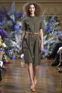 Pauline Hoaray for Vanesa Seward - Spring/Summer 2017 - Paris Fashion Week.