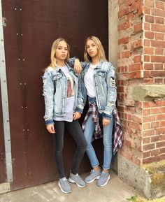 Likes, Comments - Lisa and Lena Mode Outfits, Casual Outfits, Fashion Outfits, Lisa And Lena Clothing, Lisa Or Lena, Tumblr Bff, Fresh Tops, Estilo Grunge, Donia