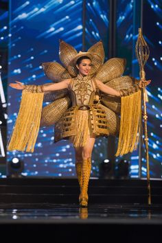 Miss Vietnam 2016 National Costume Miss Universe Costumes, Miss Universe National Costume, Miss Vietnam, Carnival Girl, Miss France, Music Festival Outfits, Logo Line, Miss World, African Print Fashion
