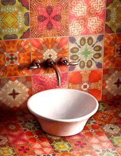 azulejo antigo vira material de decoração em novos projetos