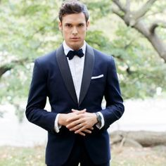 Great news for the fashionable grooms out there: Vera Wang's tuxedo line BLACK by Vera Wang is now available for purchase exclusively at Men's Wearhouse