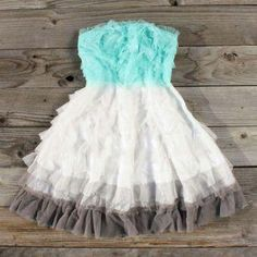 Would look so cute with cowgirl boots and jean jacket