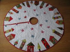 Fat Quarterly Christmas Tree Skirt | Flickr - Photo Sharing!