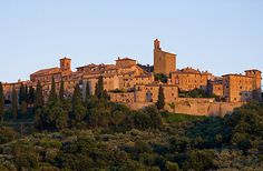 panicale italy- Local 'comune' the view from here Places To Travel, Places To Go, Umbria Italy, Italian Style, Italy Travel, Monument Valley, Cool Photos, Beautiful Places, Scenery