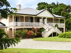 Classic queenslander like the path to butterfly stairs for Homes with verandahs all around