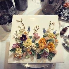 수업 후 너무 늦게 시작한 샘플작업 새로운 커리큘럼 정비중 white bean cream flower cake 자연광이 필요해. . the:floria's work . #플라워케이크#플라워케익#버터크림플라워케이크#앙금크림레이스#flowercake#앙금플라워케익 #케이크 #꽃 #꽃스타그램 #花 #韓式唧花 #甜品 #ricecake #플로리아케이크 #더플로리아 #thefloria#더플로리아 #앙금오브제 #앙금플라워 #豆沙  #韩国豆沙花 #韩式豆沙花 #豆沙花 #korearicecake #koreanbuttercreamflower #케익스타그램 #작약 #beancream #buttercream. Kakaotalk/LINE/WeChat. ID:floriacake/ thefloria . [모든 디자인의 권리는 THE: FLORIA에 있으며, 저작권자 허락 없는 저작물 이용은 저작권 침해로서 법적 책임이 따릅니다.]