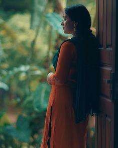 Kpop Girl Bands, Malayalam Actress, Beautiful Indian Actress, Wallpaper Quotes, Indian Actresses, Kpop Girls, High Neck Dress, Couples, Photography
