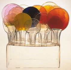 Lollipop Isle ~ Oiva Toikka, Finland 1969 Clear and coloured glass, moulded and free-blown Fused Glass, Stained Glass, Graffiti, Art Of Glass, Victoria And Albert Museum, Colored Glass, Sculpture Art, Sculpture Ideas, Contemporary Art