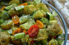 sałatka z młodych ziemniaków i ogórków małosolnych Dips, Food Inspiration, Love Food, Potato Salad, Grilling, Bbq, Food And Drink, Vegetables, Cooking