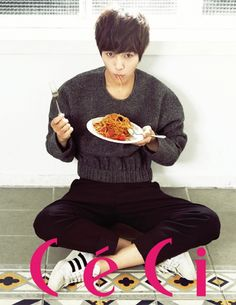 L (Kim Myungsoo, Infinite) for CeCi Magazine, November 2013 Hot Korean Guys, Korean Men, Korean Actors, Korean Wave, Asian Guys, Korean Celebrities, Pretty Boys, Cute Boys, Hyun Soo