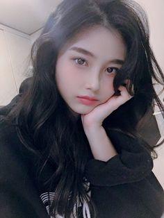 Pin on アジア美人 Korean Beauty Girls, Pretty Korean Girls, Cute Korean Girl, Cute Asian Girls, Asian Beauty, Cute Girls, Pelo Ulzzang, Ulzzang Korean Girl, Japanese Girls Pictures