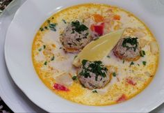10 1 szuper leves vacsorára ~300 kalóriából Gazpacho, Hummus, Thai Red Curry, Eggs, Meat, Chicken, Breakfast, Ethnic Recipes, Food
