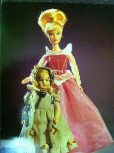 Postcrossing FI-124985 - Cute card with Cinderella dolls. Sent by a Postcrosser in Finland.