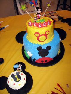 Mickey Mouse Clubhouse cake for Reece\u0027s 1st birthday. Mostly just fondant circles pieced together to & Mickey mouse birthday cake | Anniversaire | Pinterest | Photos ...