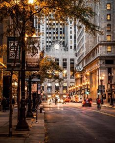 thousand likes, 85 comments - Chicago, IL (Lesli . Autumn Aesthetic, City Aesthetic, Travel Aesthetic, The Places Youll Go, Places To Go, Wow Photo, City Vibe, Photos Voyages, City Photography