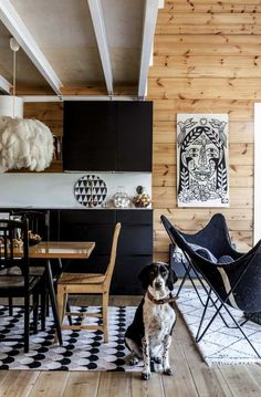 Lauri Tähkän pop-up-kaupasta lapsiperheen koti | Meillä kotona Log Home Kits, Nordic Home, Scandinavian Living, Cottage Homes, Home Look, Log Homes, Own Home, Pop Up, Animal Print Rug