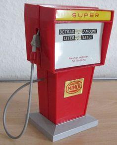 DDR - Spielzeug  Zapfsäule Minol