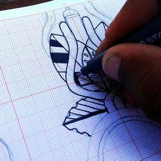 Um por dia  Série  Lembrando que esses desenhos estão sendo disponibilizados pra tatuagem ... Com @sanktattoo  @netofurone  @sins_one @zureta_gt e @iel_estacio  #serlouco #tecnorganics #staedler #riscos #rua #umpordia #1pordia #boceto #preto #ixlutx #ixl #artista #sketchdaily #oneforday #exerciodiario #milimetrado #papel #tattoo #sanktattoo #netofuronetattoo #zuretagt #ielestacio #sinstattoo #tatuagem #rueiro #tinteiro #pigmentliner.