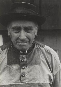 Oude man in streekdracht Marken. 1943 daags #NoordHolland #Marken