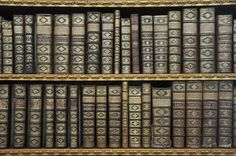 0ld-leather-bound-books.jpg (4288×2848)