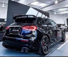 Mercedes A45 Amg, Mercedes Auto, Classe A Amg, Mercedes A Class, Motogp Valentino Rossi, Benz A Class, Engin, Ford Mustang, Luxury Cars